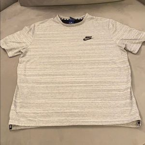 Grey Nike t-shirt in size XL